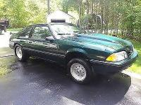 Condition: Used. Exterior color: dark green. Interior