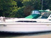 - Stock #78208 - This is a 1989 Sea Ray 340 Sundancer.