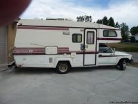 1989 TOYOTA 6 CYLINDER 25 FOOT RV.  Has 55,000
