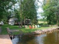 Seasonal lake home on clean, clear 540 acre Spirit