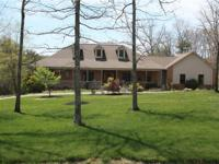 CUSTOM-BUILT EXEC HOME IN LAURELWOOD SD. 4700 SQ.FT. OF
