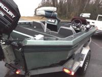 GOOD BOAT !! 2 rod lockers,storage,livewells,2