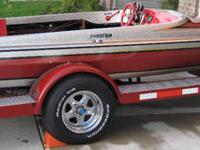 1990 caravelle elegante 2000 20' br 4.3 omc. Boat is in