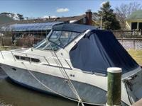1990 Cruisers Yachts 3670 Esprit Boat is located in