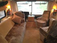 1990 Fleetwood Bounder, 34 foot. 62040 miles, chevy