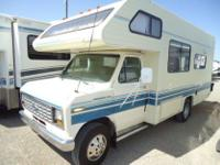 ,.,very clean 1990 Fleetwood Jamboree 21C. This unit is