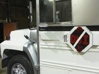 1990 Ford B700-Carpenter. This luxurious 1999 Ford B700