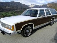 1990 Ford Crown Victoria, Country Squire LX Station