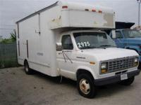 This 1990 Ford E-350 features a 7.5L V8 FI 8cyl