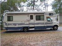 1990 Holiday Rambler Aluma-Lite. This Blue and White