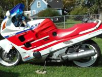 1990 HONDA CBR 1000F * SLEEK RED, WHITE & BLUE * IN