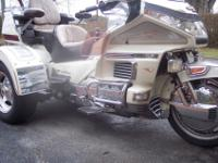 TRIKE HAS REVERSE GEAR, CRUISE,CB RADIO,