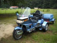 HONDA GOLDWING SE WITH A VOYAGER REMOVABLE TRIKE