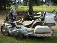 1990 HONDA GOLDWING 1500cc WITH CSC FRIENDSHIP 3