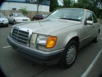 --- MERCEDES BENZ---RED LEATHER INTERIOR---PRICED TO