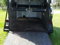 1990 Merhow Aluminum skin 2 horse bumper pull trailer