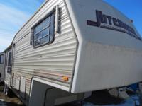 1990 HitchHiker 5TH Wheel Has Two Small Slide outs. One