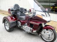 Trike motorcycle for sale. Honda Gold Wing cycle with