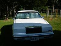 1991 chrysler new yorker, good shape, white with blue