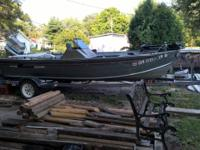 1991 Grumman Masterfish Bass Boat. 16' V-Bottom,2 Live