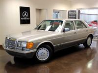 You are viewing a classic 1991 Mercedes-Benz 300SE with