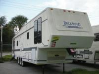 * * 1991 ROCKWOOD by FOREST RIVER * * DOUBLE SLIDE-OUT,