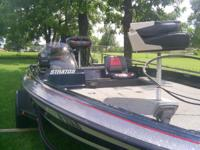 Description nice boat, frnt and rear livewell. two