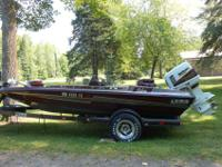 LIKE NEW. IT'S A BEAUTY! 1992 BASS CAT BASS BOAT with