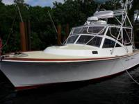 Boat is located in Boynton Beach,FL.Please contact the