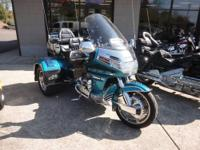 -New Arrival- -Low Mileage- This Teal 1992 Honda