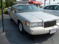 Options Included: N/A1992 LINCOLN TOWN CAR SIGNATURE