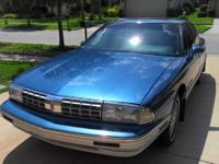 BEAUTIFUL CLASSIC . 1992 OLDSMOBILE 98 REGENCY ELITE.