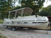 1992 Suncruiser 25ft with 60hp Johnson. Short term