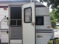 1992 Sunline Camper 19' Full Size bed, kitchenette that