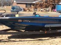 1992 18ft Artcraft bass boat, 115 Mercury, foot