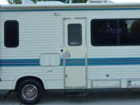 very clean 1992 Four Winds Class C motorhome that