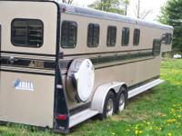 We are selling our 5 horse slant trail- lett horse