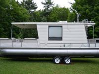 1993 Aqua Chalet 8 X 32 Triple Pontoon Houseboat with