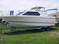 1993 Bayliner 2452, 5.0 Litre 220 HP, Trim Tabs, Swim