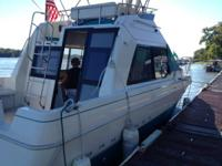 Selling to buy a larger boat. 1993 Bayliner 3058