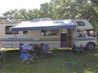 1993 Dutchmen M29 Class C This 29 foot RV sleeps 8. It