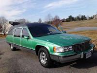 1993 Cadillac Hearse/Limo Runs and drives great. Needs