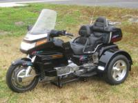 Check out this absolutely amazing 1993 HONDA GOLDWING