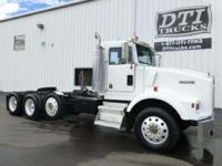 1993 Kenworth T800 1993 Kenworth T800 Tri-axle Day Cab