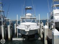 This Luhrs makes a great fishing or cruising boat and