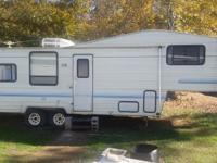 1993 Playmore 5th Wheel Camper - $2,800. (Henderson,