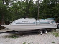1993 Sun Tracker 24ft Party Express 115 Evinrude with