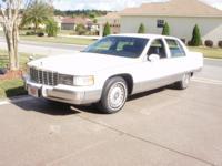 1994 Cadillac Fleetwood Brougham - rear wheel drive