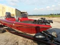 1994 Champion 190 DCX Elite bass watercraft. 19 ft