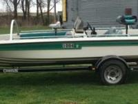 Champion Elite 20'  Fish and Ski Boat. New tires,